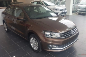 Volkswagen Polo Hatchback 1.6AT 2017