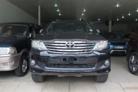 Toyota Fortuner V 4x2AT 2012