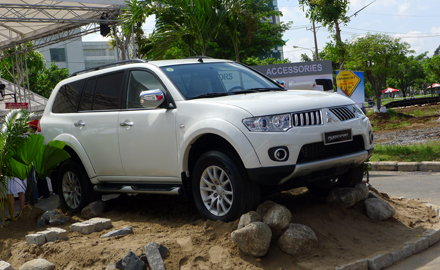 Pajero Sport - Everest - Fortuner: SUV nào cho bạn?